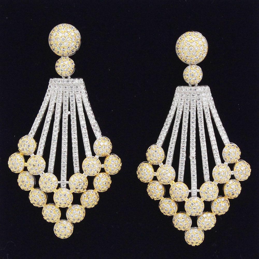 Exquisite chandelier earing.